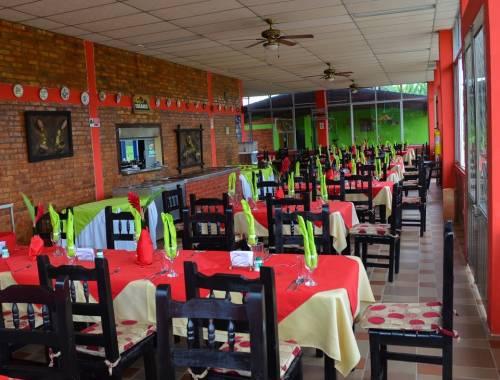 hotel tucanes armenia restaurante